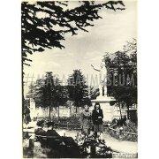 Фотография. Памятник И. В. Сталину