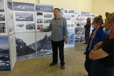 Передвижную выставку «Энергия земли и воды» продемонстрировали жителям двух колымских посёлков